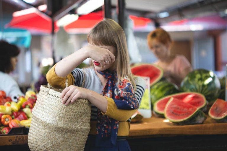 Jakie są metody na oszczędzanie podczas zakupów?