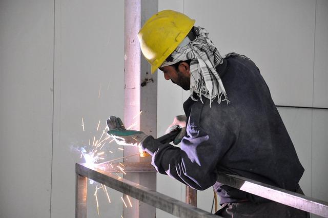 Pomyśl o tym, jakie rękawiczki ochronne są potrzebne w twojej pracy